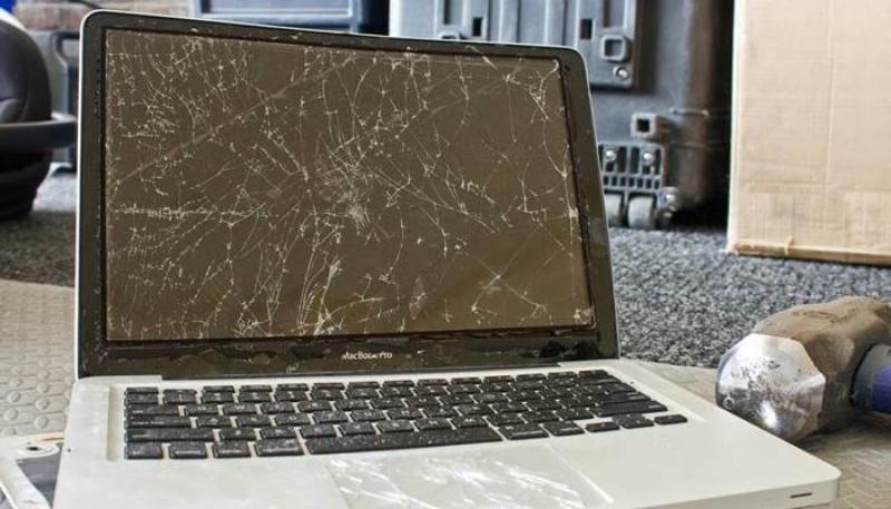 Nằm mơ thấy máy tính bị vỡ là giấc mơ kém may mắn