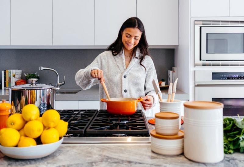 Mơ thấy mình đang nấu cơm có điềm báo gì?